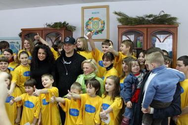 Потап и Настя Каменских с фанатами